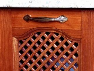 Классическая кухня из массива