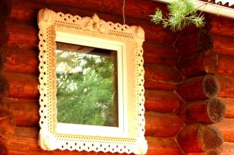 Резные наличники - маленькое окно