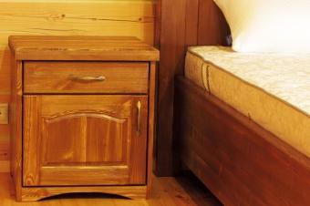 Кровать и тумбы под старину (4)
